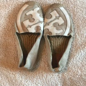 67 Off Oofos Shoes Flip Flops Oolala Womens Poshmark